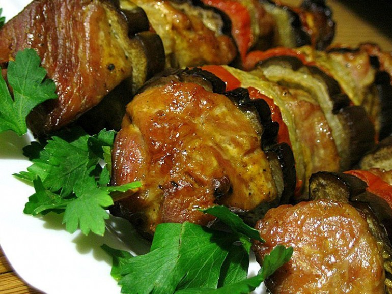 Мясо с баклажанами «по-праздничному» (рецепт в картинках)