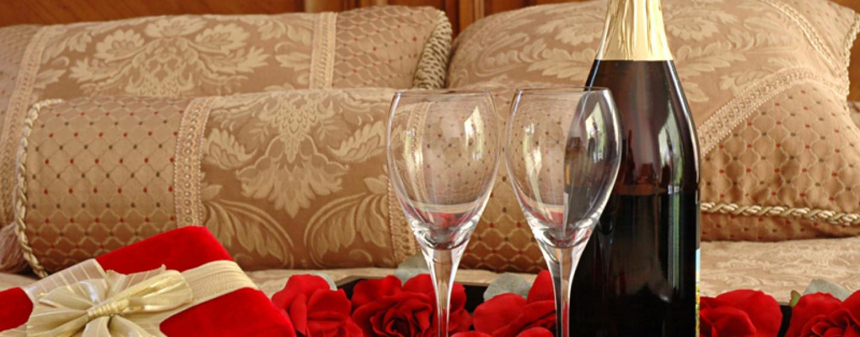 Романтический ужин продолжается… Дело дошло до горячего…