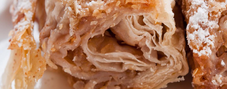 Яблочный штрудель из слоеного теста. Быстро, вкусно, дешево, легко.
