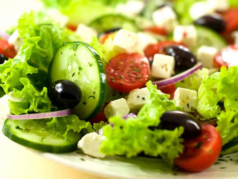 10 рецептов быстрых салатов. Встречаем неожиданных гостей.
