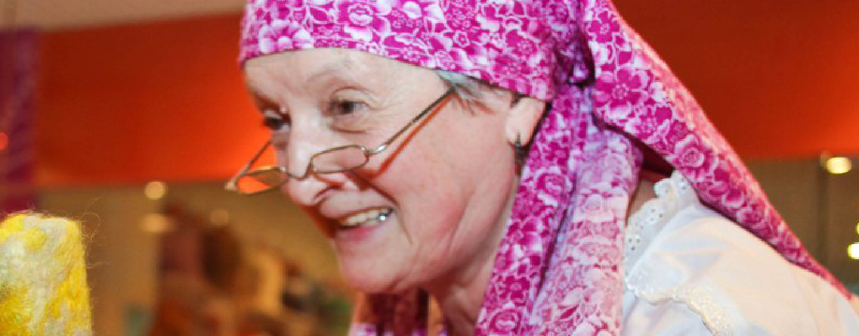 Как поздравить бабушку с днем рождения? Весело и необычно…