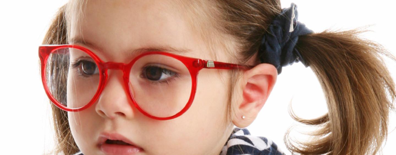 Что подарить ребенку на 4 года: в чем притяжение разноцветных магнитов?