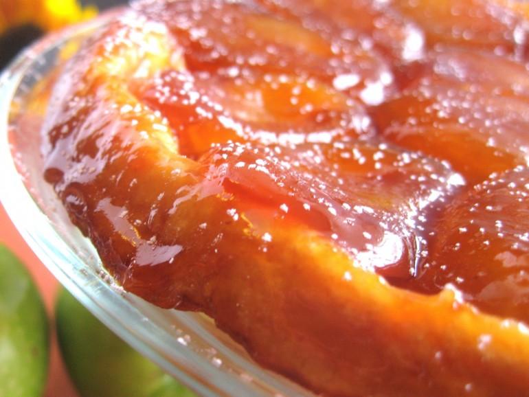 """Яблочный пирог из слоеного теста для """"гостя на пороге"""". Проще не бывает!"""