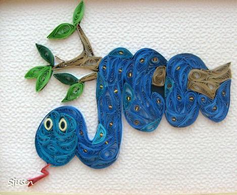 Симпатичная змейка, символ 2013 года в технике квиллинг.  А ниже-рисунки, которые можно использовать в...