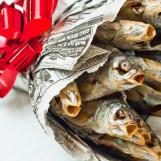 23 февраля в офисе: что дарить, чем угощать, как развлекать