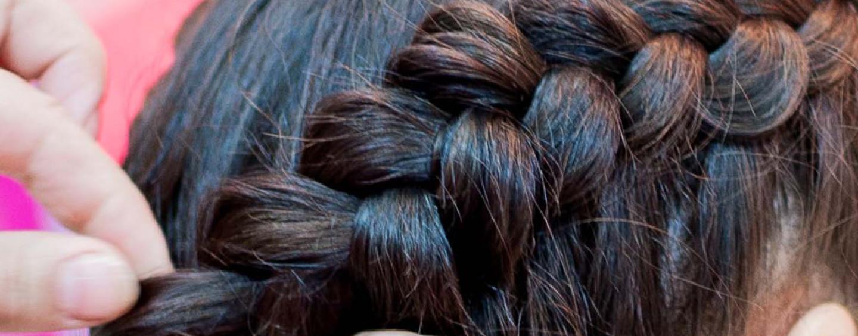 День рождения девочки 13 лет: мастер-класс по плетению кос