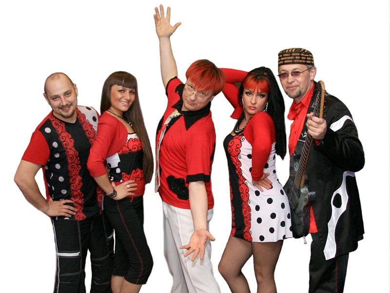 Караоке все танцуют локтями - b2036