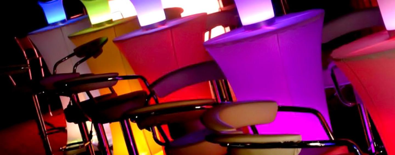 Мебель с подсветкой для фуршета: мягкое мерцание торжества