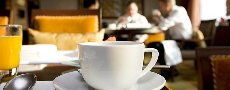 НАОМ запустила серию деловых завтраков