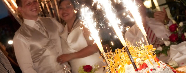 Холодные фонтаны на больших и маленьких праздниках: простой способ удивить гостей