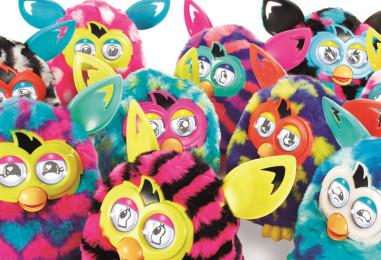 Самый популярный подарок к Новому году 2015 — интерактивная игрушка Furby Boom (Фёрби)