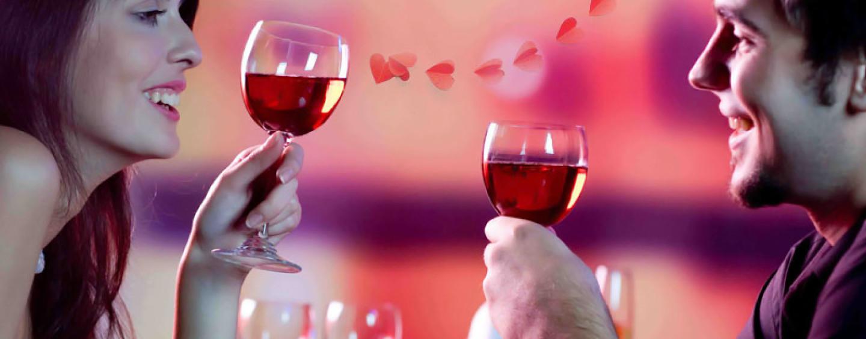 Как украсить День Влюбленных: 5 простых идей для кафе и магазинов