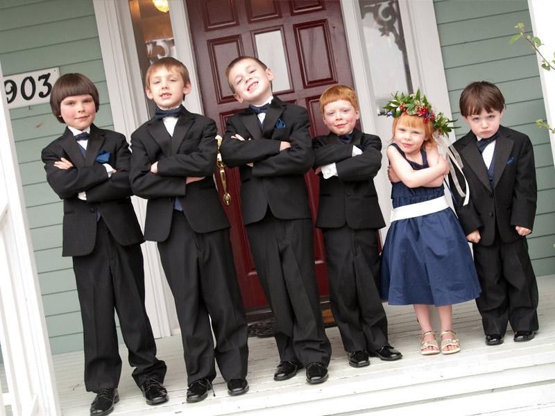 дети на свадьбе или юбилее