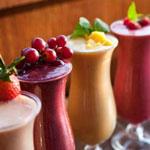 Какие напитки нужно пить в жару, а от каких лучше отказаться?