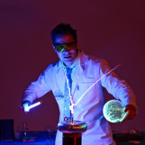 Научная программа как основная часть праздника: полтора часа невероятных опытов