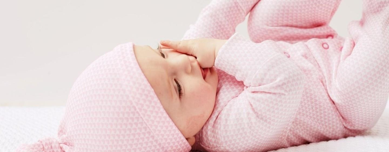 Что подарить новорожденному? Идеи с примерами и советы по выгодным покупкам