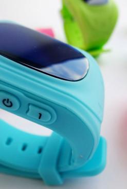 Умные часы-телефон: полезный подарок для выпускников детских садов и младших школьников
