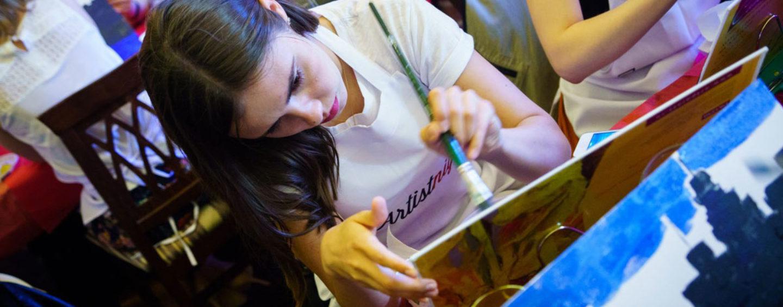 Холст, краски, хорошее настроение: 4 варианта арт-вечеринок для корпоративов, дней рождений и девичников