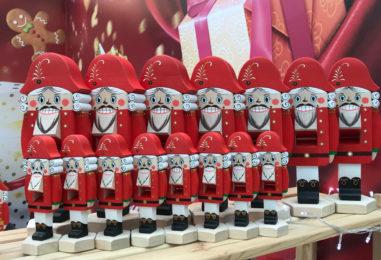Новогодние подарки для детей без конфет: 10 идей для заботливого Деда Мороза