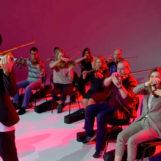 Музыкальный тимбилдинг «Оркестр» (20-70 человек за 2 часа разучат композицию на скрипках)